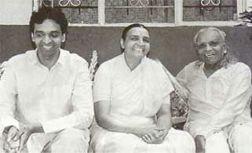 BKS Iyengar med två av sina barn Prashant  och Geeta.