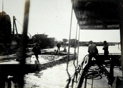 39 Bogsering av mudderpråm 1910 07 30