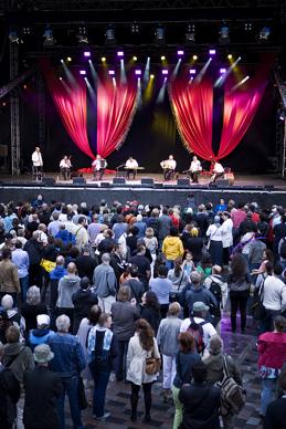 Istanbul Burada! på Kulturfestivalen, Gustav Adolfs torg