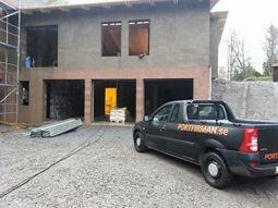 Snart monterat: tre garageportar i Tungelsta