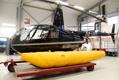 Uppblåsta nödflottörer på vår R44