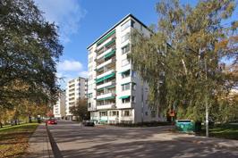 Fastigheten sedd från Norr Mälarstrand.