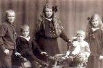 Ingolf Lönnbergs barn, Mathilda Stenhammars barnbarn (Helge, Inge, Sif, Egil och Gunvor.)