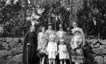 Einar o Eva Lönnberg (i mitten).Vänster systern Eivor o svärdottern Consuelo.Höger systern Dagmar o näst äldsta sonen Olle.Framför:barnbarnsbarnen Sigvard,Ingrid o svärdottern Anne