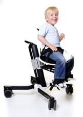 Krabat barnhjälpmedel startade tack vare Kasper som har en CP-skada.