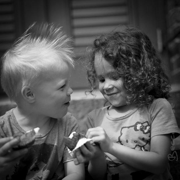 Bästisarna Noel och Olivia