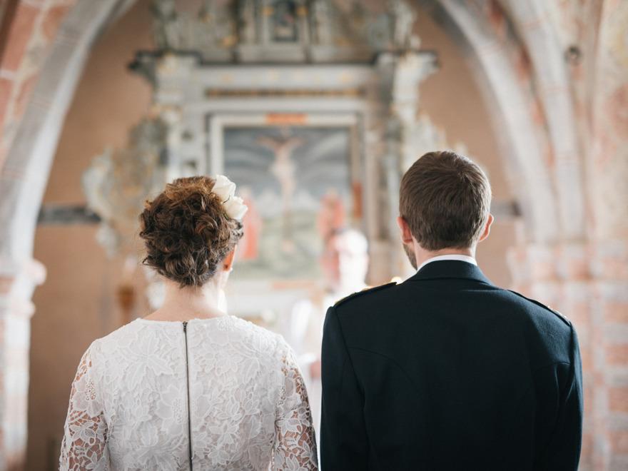 Bröllop på Österlen, Vitaby kyrka. Fotograf Rebecca Wallin