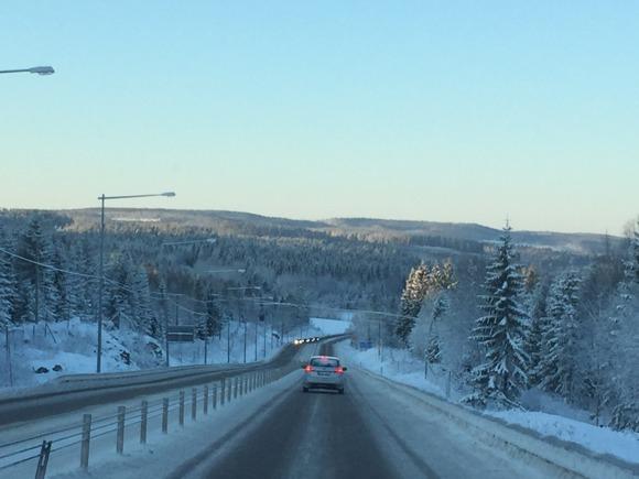 På väg ut från Härnösand på E4.