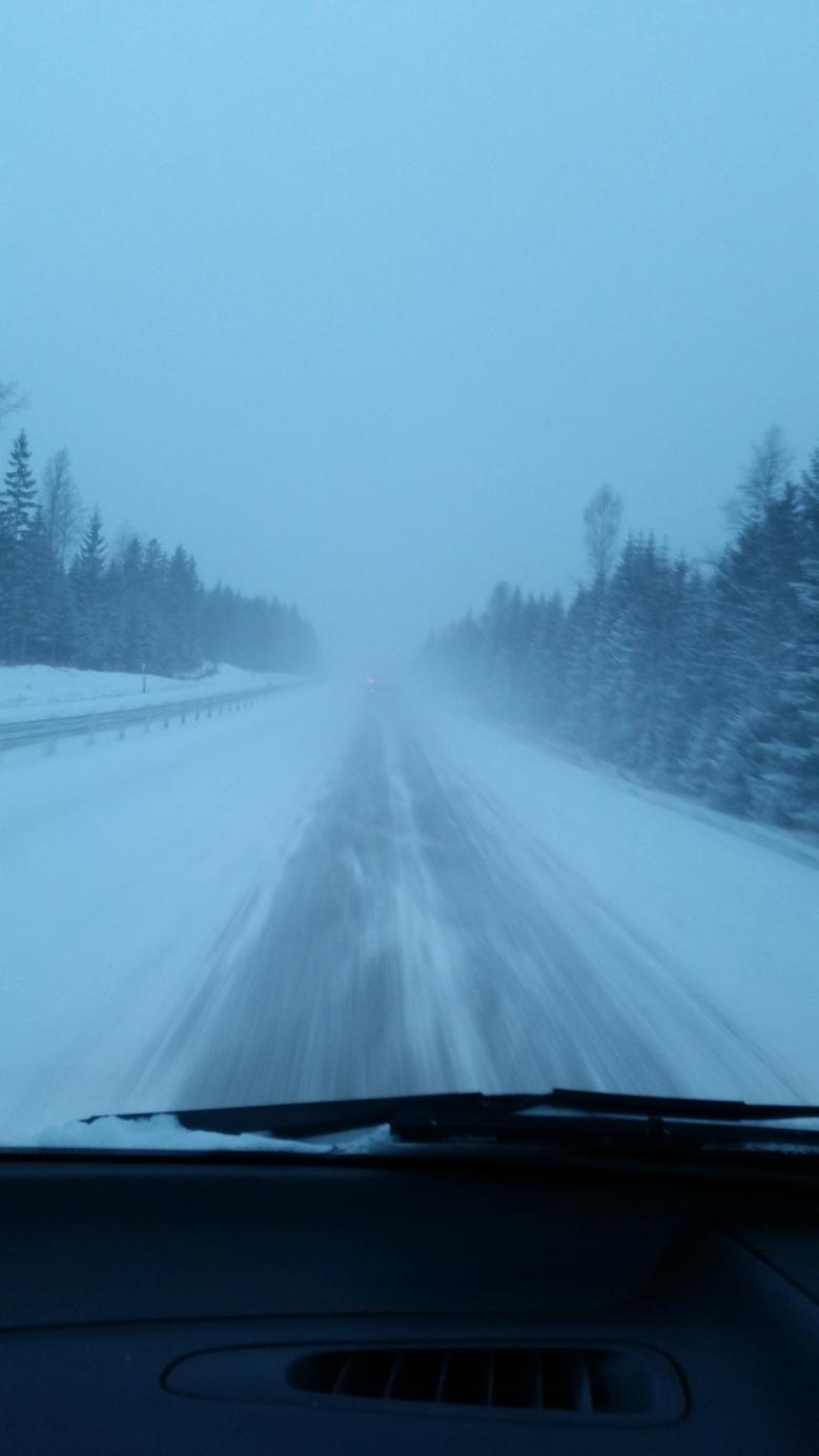 E4ans standard gällande snöröjning är liiiite lägre än i södra Sverige...