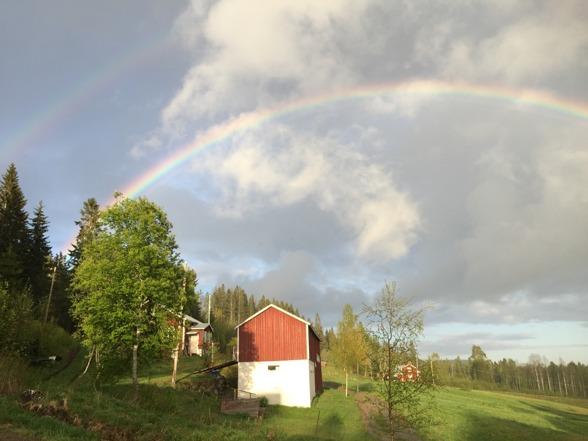 Andra halvan över Lasse & Birgittas hus.