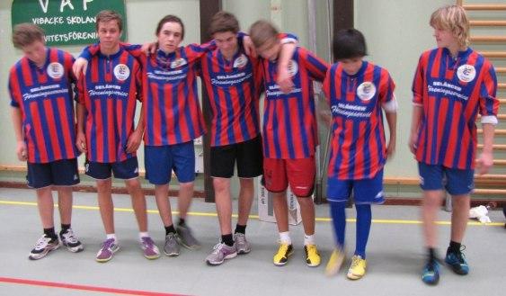 På bilden ser vi. Peter Aho, Oskar Nilsefur, Jocke Engblom, Pontus Benke, Erik Dahlqvist, Maryano Nawzad, Erik Johansson