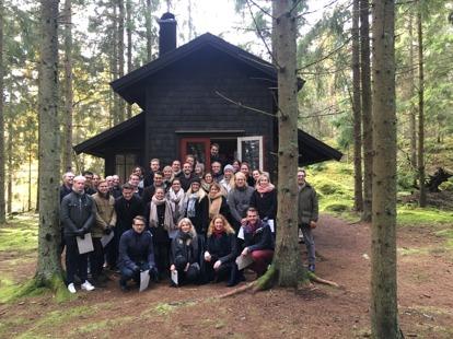 MATIX-klassen samlad tillsammans med Öijared akademi, någonstans i skogen vid Öijared