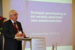 Utredare Puol Nielson presenterar den strategiska genomlysningen av den nordiska arbetsmarknaden  på Nordisk Facklig Kongress 2015