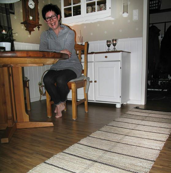 Lena med mattan BRÄNDA MANDLAR