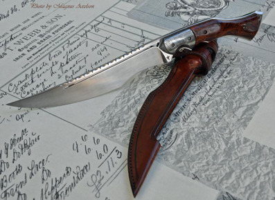 RWL34 Fighter - Damasteel bolster with Redwood burl scales