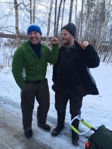 Benny Påven Jansson t.v. och Andreas Forsblom t.h. hade dagens två högsta vikter.