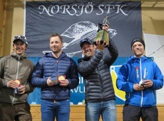 """Vandringspriset till Svegs SFK och Thomas """"RM"""" Larsson, Daniel Eriksson, Martin Södergårds & Magnus Eriksson."""