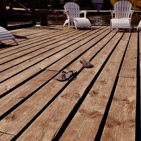 Bad från brygga före eller efter din massagebehandling hos Thann Sanctuary Spa i Saltsjöbaden
