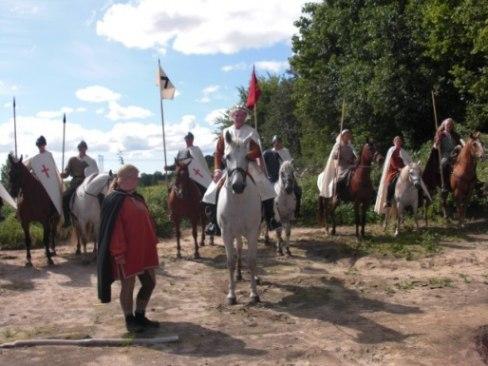 Kung Sigurd Jorsalafar på arkeologidag vid Ytterby gravfält