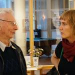 Förre ordföranden i föreningen Manfred Ölund i samtal.