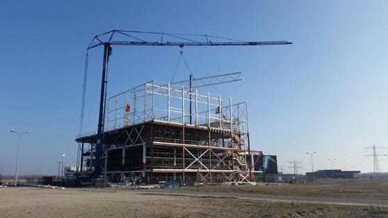 Projektet i Almere ser ut såp häår i början av mars 2015. Mycket intressant planlösning med idrottshall och simhall i en härlig kombination.