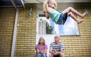 10-åriga Alana Leighton kom till familjen när hon var två veckor gammal