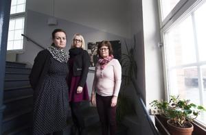 Tre av fyra familjehemssekreterare som nu anmäler sin egen verksamhet: Anna-Karin Rentoft Wivegg, Anna Frank och Lena Ling.  Foto:Jens Alvin
