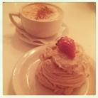 Vegan strawberry shortcake and Ginger latte. Peacefood.