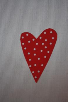Klisterhjärta rött med vita prickar -