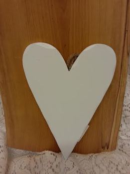 Hjärta vitmålat 13x21 cm -