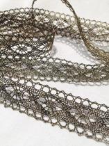 Spets, metallic med fin lyster, ca 25 mm bredd