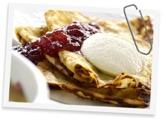 Missa inte vår populära pannkaksbuffe på torsdagar  bjuder vi på pannkakor till maten med hemkokt drottning sylt & vispad grädde.