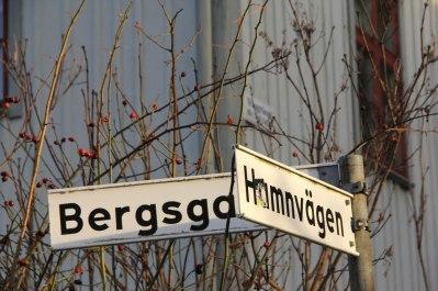 Korsningen Vingränd - Hamnvägen - Bergsgatan.