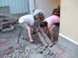 Kullersten och kalkstensrännsten (väger 200 kg)