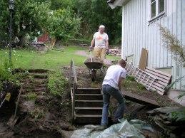 Stora kalkstenar hittades under mark.