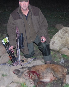 Knall och fall med Fire Bolt samt Ultimate Warhead skjuten av Matrix 380 på 50 m vid jakt utomlands
