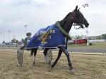 Pothos Race segerdefilerar. Foto: Lars Jakobsson / TR Media