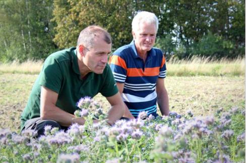 Pontus Olsson och Mats Engqvist vid SamZonerna vid Hacksta, Foto Maria Hedlund Enköpingsposten