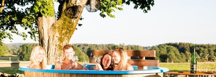 Badtunna Kurser och Aktiviteter att göra Varberg, stort urval av aktiviteter för konferenser, möten och grupper på lantliga B&B och kursgård Karlsberg Gård mellan Varberg, Ullared och Falkenberg