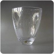 Vicke Lindstrand Kosta engraved vase