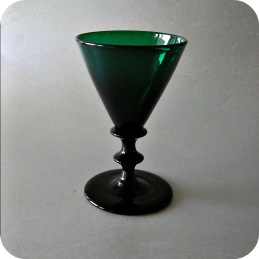 Antique glass from nineteenth century ....2 200 SEK/8 glasses