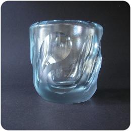 Vicke Lindstrand Orrefors vase.................... 500 SEK