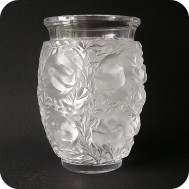 Lalique France vase Bagatelle