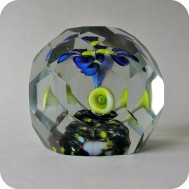 Bohemian glass paperweight ..... 750 SEK