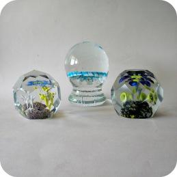 Glass paperweights ......................................... 750 SEK/each