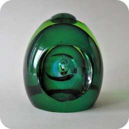 Mona Morales-Schildt Kosta egg sculpture .............1 200 SEK