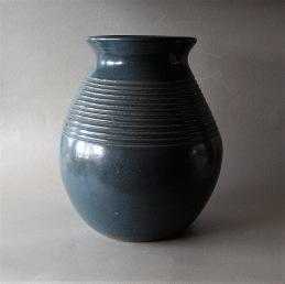 Ake Holm Hoganas Big heavy vase .........................1 700 SEK