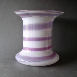 Ingeborg Lundin Orrefors Vase .............................. 1 500 SEK