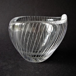 Tapio Wirkkala Iittala small bowl ........................ 1 300 SEK