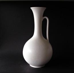 Gunnar Nylund Rorstrand Rörstrand vase ............... 2 600 SEK